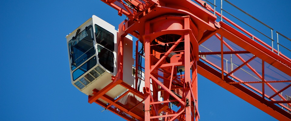 Tips to Consider When Renting Cranes for Your Construction Project